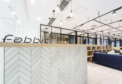 fabbit京橋 会議室の入口の写真