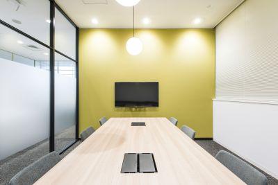 fabbit京橋 会議室の室内の写真