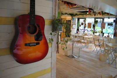ウッドペッカーラウンジ イベントスペースの室内の写真