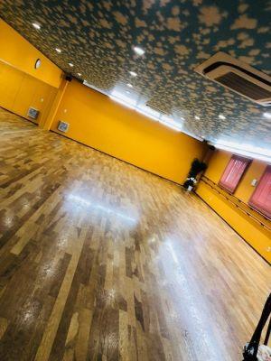 ダンススタジオD.A.I ダンスフロア 多目的スペースの室内の写真