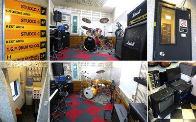 スタジオキーボード リハーサルスタジオの室内の写真