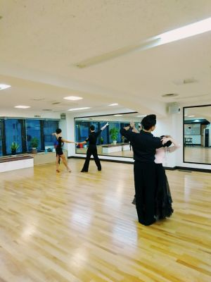 横浜 桝岡ダンス教室 レンタルスペースの室内の写真