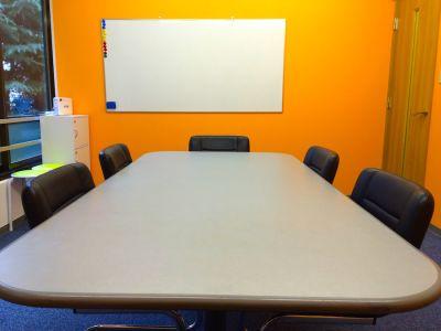 新宿Genki貸し会議室 第8会議室の室内の写真