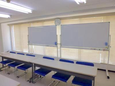 入谷ホール【加瀬会議室】 入谷ホール2階の室内の写真