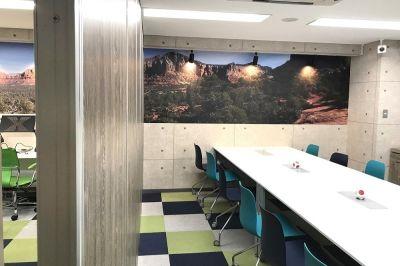 KIZASU.Office コワーキングデスク 時間利用の室内の写真