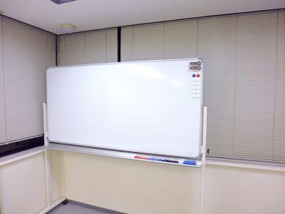 関内駅前ホール【加瀬会議室】 会議室の室内の写真