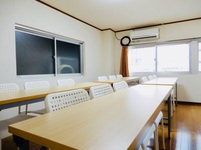 エキマエ会議室 三宮 base01の室内の写真