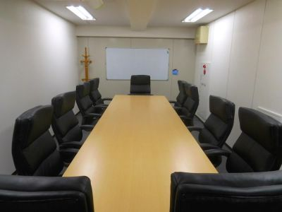 新横浜ホール【加瀬会議室】 第6会議室の室内の写真