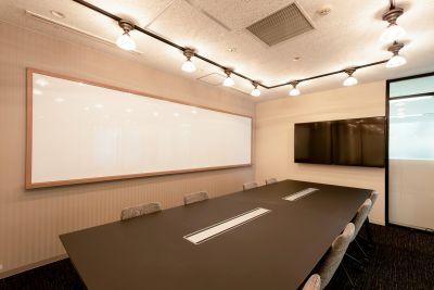 fabbit Otemachi 会議室B(8人まで)の室内の写真