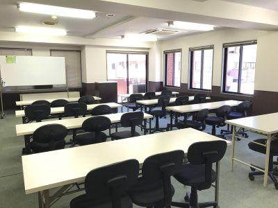 澤田聖徳ビル 終日ご利用プラン5A会議室の室内の写真