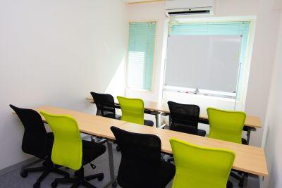 エキ前会議室 アーバンの室内の写真
