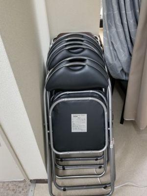 パイプ椅子20個ぐらいあります。 - KPOPダンススタジオFANCY JR三宮駅から徒歩5分/多目的の設備の写真