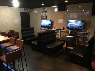 BAR「みんなのリビング」 イベントスペースの室内の写真