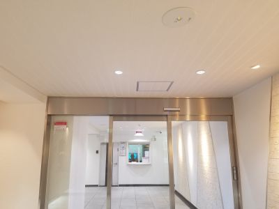 ブライダルなんでも相談所 眺望抜群のレンタルスペースの入口の写真