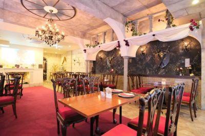 美女と野獣カフェ 宮殿スペースの室内の写真