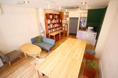 新大阪レンタルスペース co-arc 20名用貸切コミュニティスペースの室内の写真