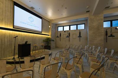 EBISU SHOW ROOM 会議・セミナー用途の室内の写真