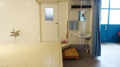 シロハコスペースの室内の写真