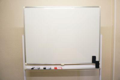 【ウグイス会議室】 プロジェクタ無料の貸し会議室♪の設備の写真