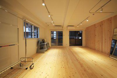 【メイプル】新宿タカシマヤ前 レッスンスペース・貸し会議室の室内の写真