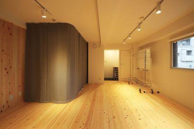 【メイプル】新宿タカシマヤ前 レッスンスペース・貸し会議室の設備の写真