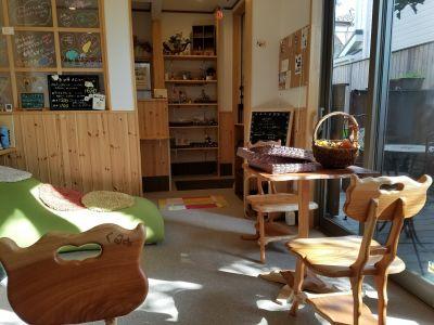 菓子工房とかふぇくるみ 1階 カフェスペースの室内の写真
