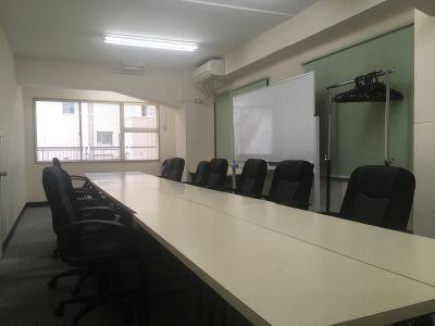 矢板ビル貸し会議室 5-5号室の室内の写真