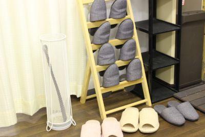 お客様スリッパ - 東新宿レンタルスペース ①有効ベッド・整体アロマ鍼灸の設備の写真