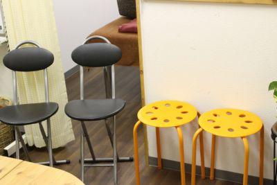 椅子 - 東新宿レンタルスペース ①有効ベッド・整体アロマ鍼灸の設備の写真