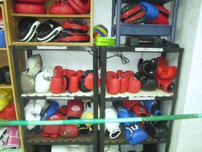 グラブやミットを自由にご利用頂けます。 - ラッキースターボクシングクラブ 格闘技、ヨガ、等に利用可能。の設備の写真