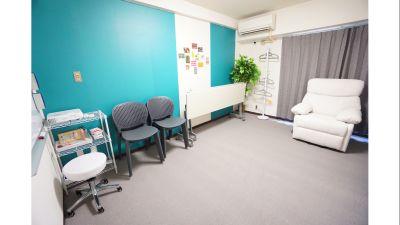 【スカイスペース】 明るく綺麗なサロンスペース♪の室内の写真