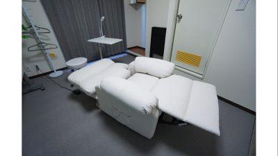 【スカイスペース】 明るく綺麗なサロンスペース♪の設備の写真