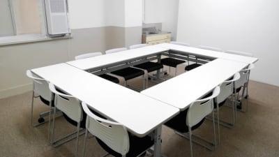 Natuluck飯田橋東口駅前店 2階小会議室Bの室内の写真