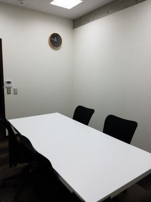 横浜・馬車道駅チカ レンタル個室 少人数向けレンタル個室の室内の写真