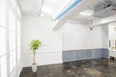 心斎橋ドレススタジオ(ドレスタ) 3階スタジオ(3スタ ドレスタ)の室内の写真