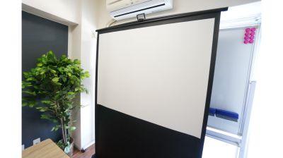 【クレスト会議室】 プロジェクタ無料の貸し会議室♪の設備の写真
