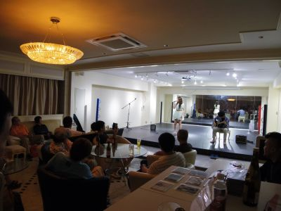 プレジャーホール横浜 60人収納可能なレンタルスペースの室内の写真