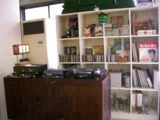 BARラウンジ堀江卓球部 サロンスペース 会議室 卓球場の設備の写真