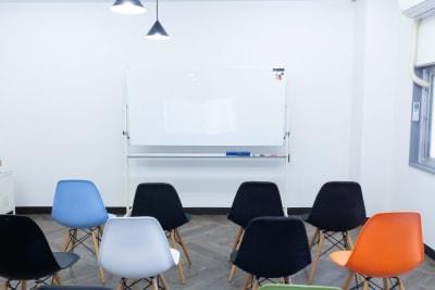 ホワイトボードを無料で利用できます。 - MIXER 貸し会議室の室内の写真