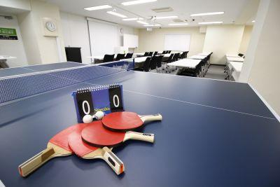卓球も常設しているので、懇親会などでご利用いただけます! - 銀座ユニーク貸会議室 カンファレンスルームの室内の写真