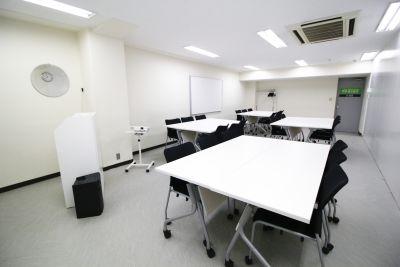 銀座ユニーク貸会議室 小会議室の室内の写真