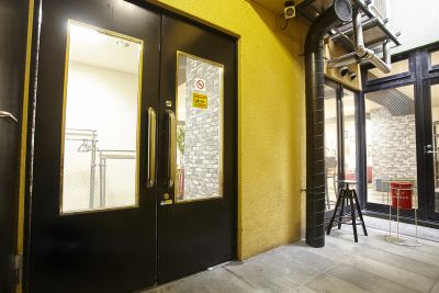 新橋駅前G パーティースペースの入口の写真