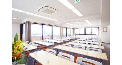 テーブル付き42席 - 神楽坂セミナールーム ココロノオフィス セミナールームの室内の写真