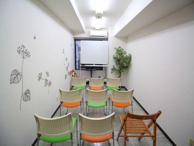 いちご会議室 新宿御苑の室内の写真