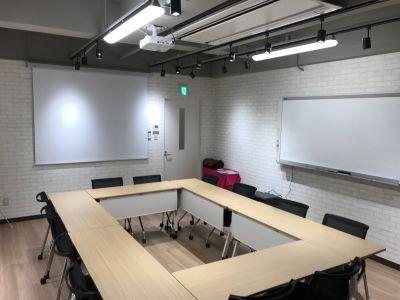 明るい空間なので、細かい作業もバッチリできます! - ルキナ仙川アネックス 貸しミーティングルームの室内の写真
