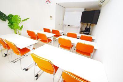 お気軽会議室 ルメールなんば ルメールなんば 会議室の室内の写真