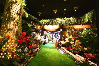 ウッドデザインパークレジャック店 100名以上、多目的スペースの入口の写真