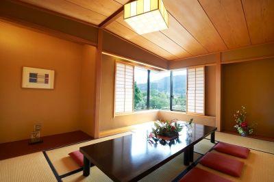 和室(6畳)  - 岡崎庵 ~ホールや和室・キッチンなど完備の室内の写真