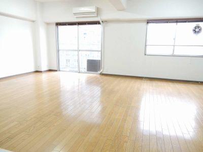 <カラフルスペース> 多目的スペースの室内の写真