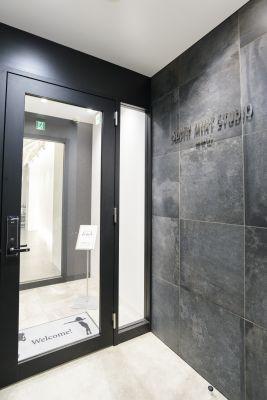 SOUTH MINT  ダンススタジオ レンタルスペースの入口の写真